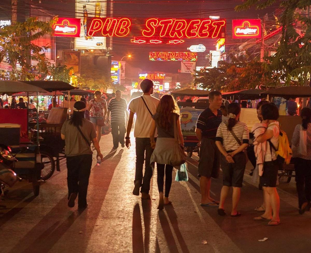 Pub-street-02