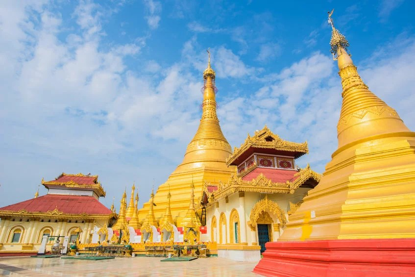 """52341628 - kyaik tan lan the """"old moulmein pagoda"""". this pagoda is the highest structure in mawlamyine ,myanmar"""