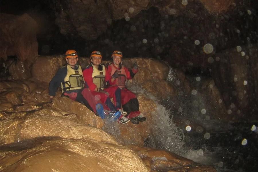 4-lobo-cave-waterfall