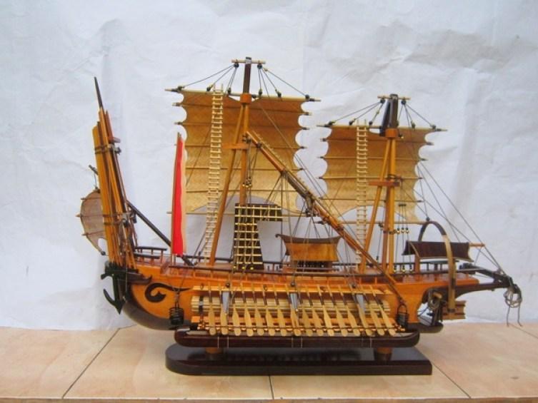 miniatur kapal maritim majapahit