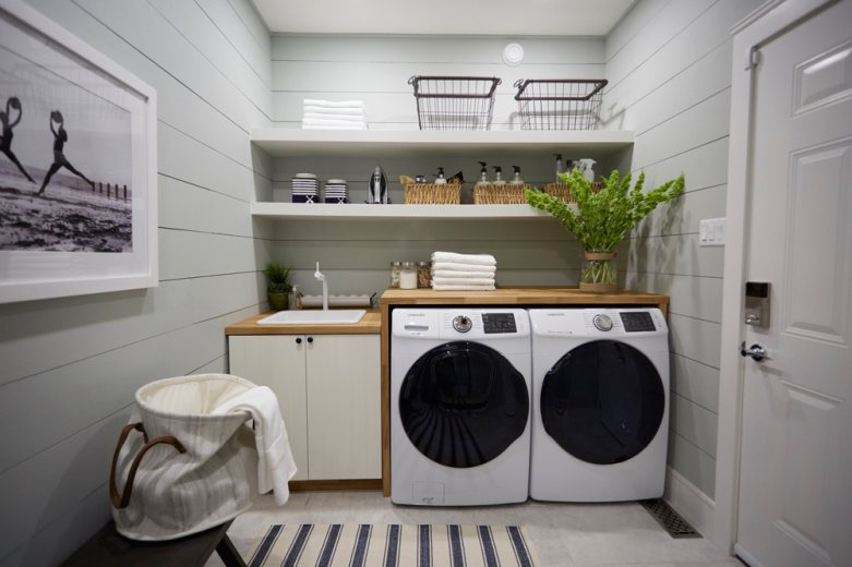 Read more about the article 27 Laundry Room Ideas to Maximize Your Small Space