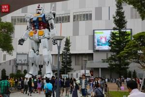 Tokyo: Gundam sculpture