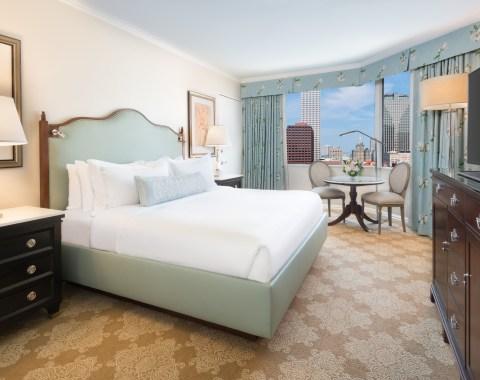 Guestroom King Windsor Court Hotel