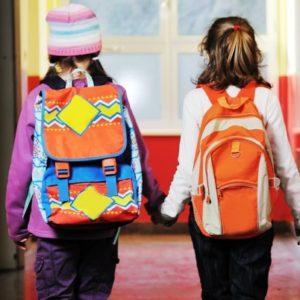 schoolkids-backpacks