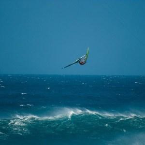 Ricardo Campello sky high over maui