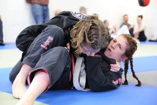 Getting close to a lap drop (or bow and arrow) choke