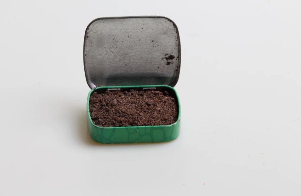 Pipe tobacco in a small box