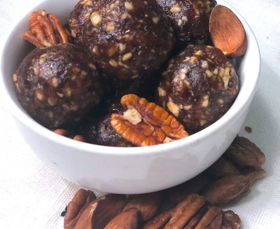 Easy (Whole30 & Paleo Approved) Date & Nut Snack Bites
