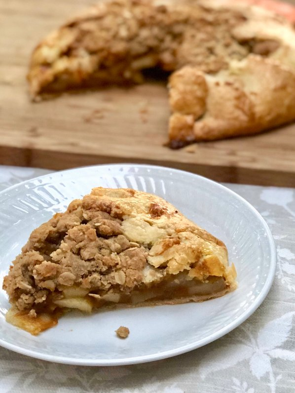 apple & pumpkin butter crostada with oat crumble