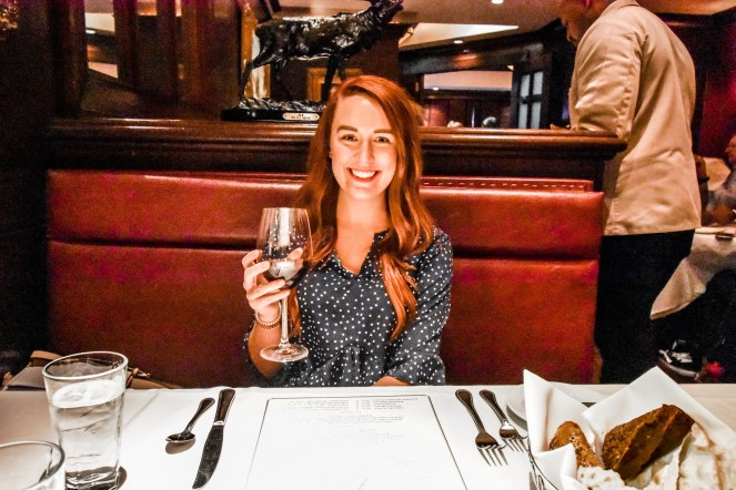 Philadelphia Weekend Guide | Sonesta Philly | Best Top things to do in the city | where to stay | food and drink | Restaurants | Italian Market Pizza Pizzeria | Fine Dining | Wine Bar | Blog Blogger Weekends | Outfit dinner | romantic | Valentine's Day | date night spot | capital grille