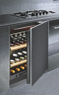 Fully Integrated Wine Cabinet CI140 from Wine Corner