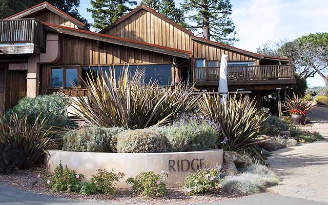 Ridge vineyard Montebello old barn
