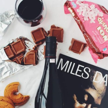 vin-ciocolată-muzică