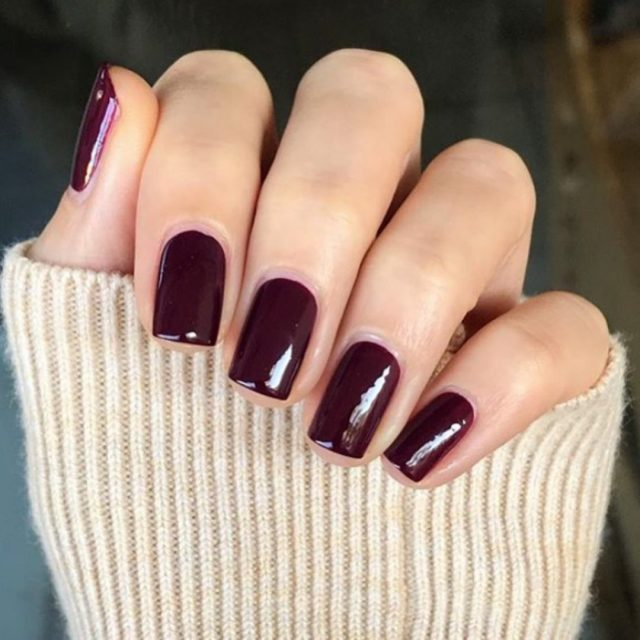 www.wineloversbox.co.uk – 5 Autumn nail colour trends and the wine to enjoy with them