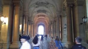 Louvre collonade