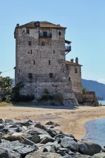Just outside the Monastic State, Uranoupoli port's tower says goodby to us ...