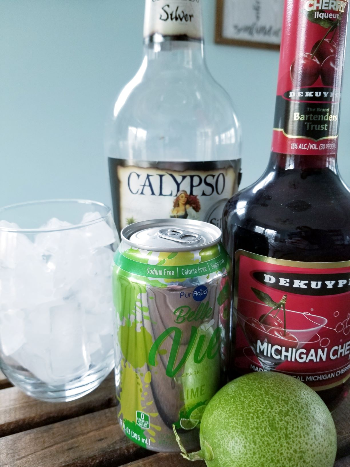 How to Make a Cherry Lime Fizzy Cocktail