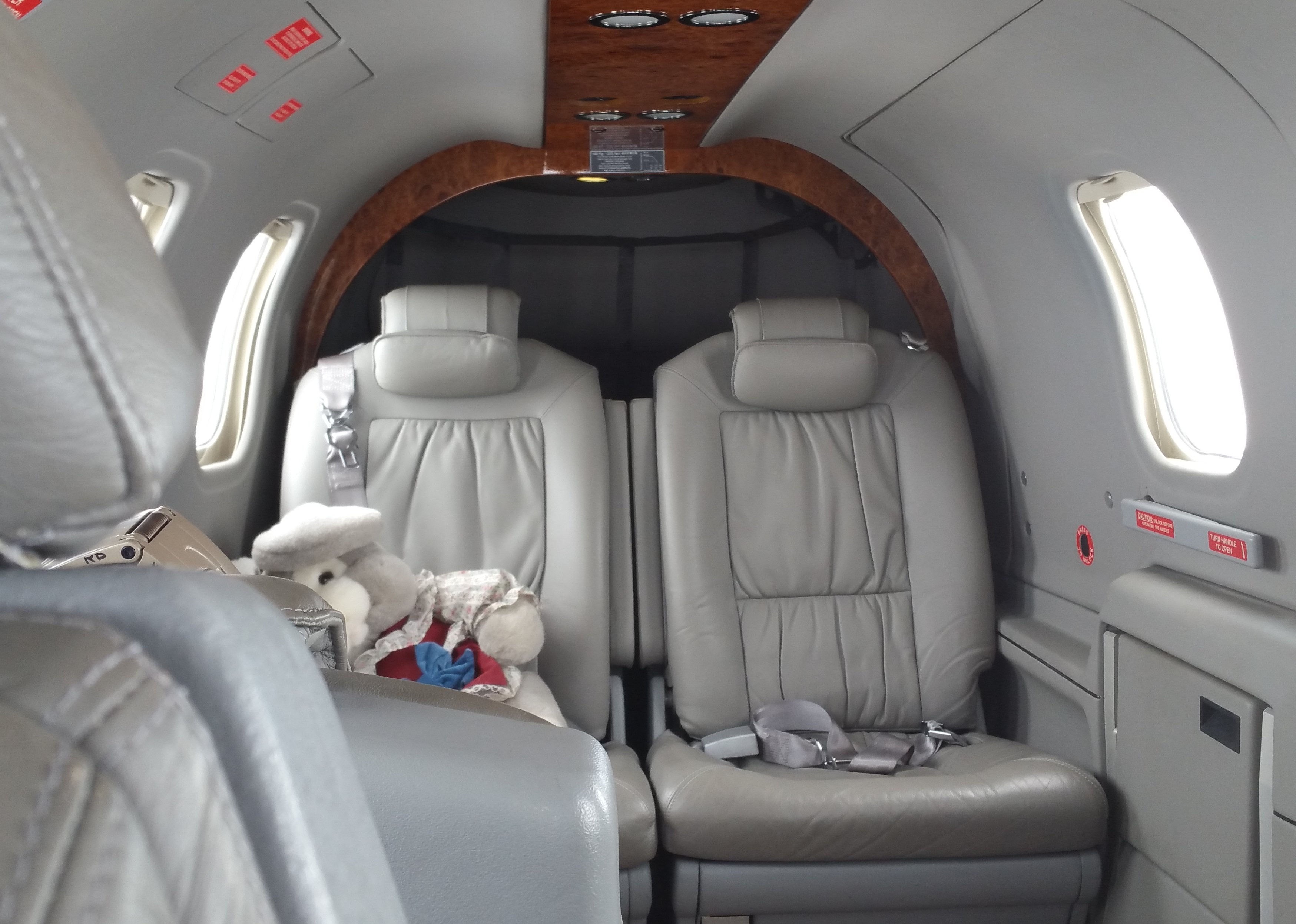 Backseat of Kenny's TBM850 ready for Evelyn and her Mom
