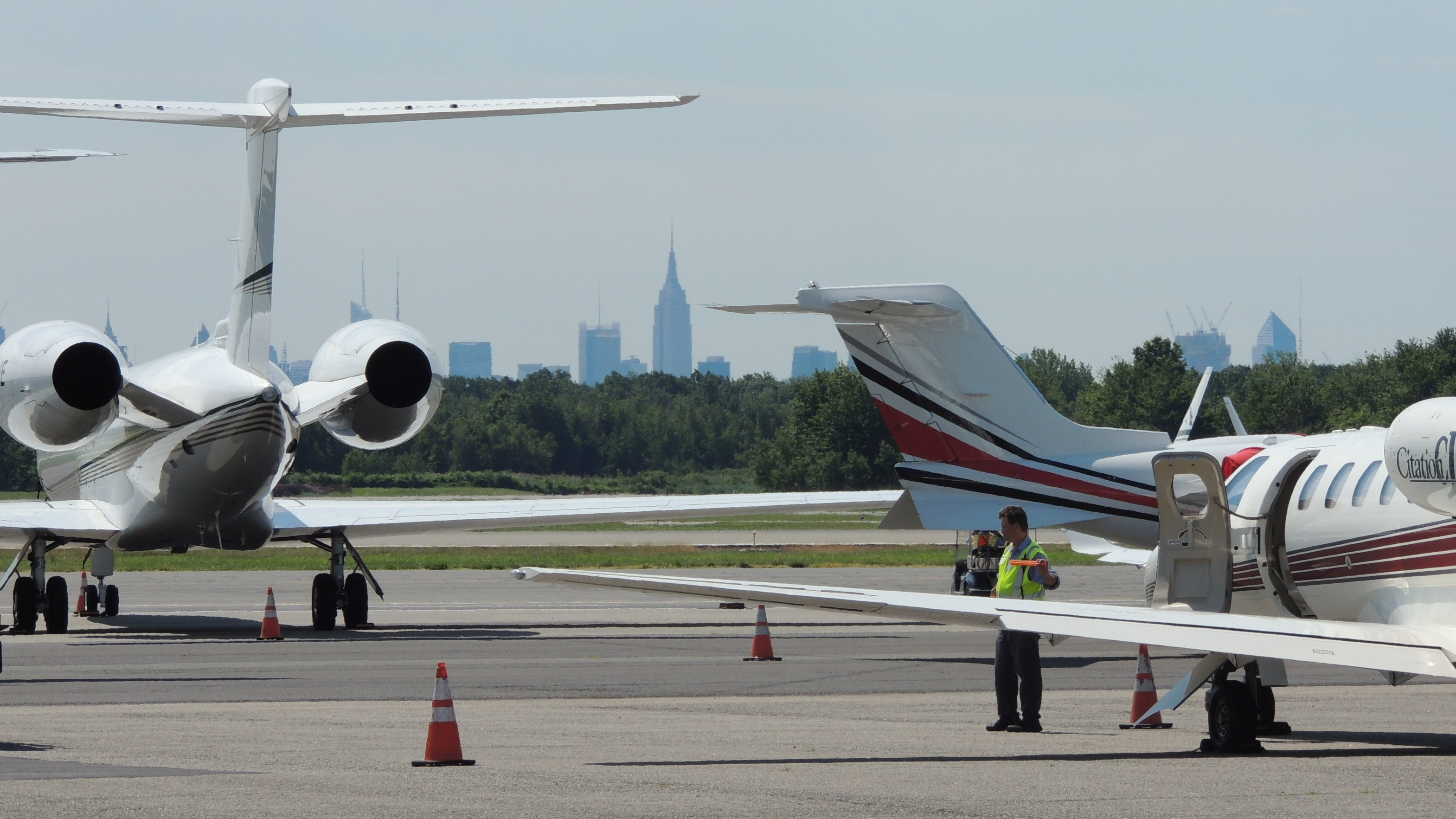 On the ground at Teterboro looking towards NYC