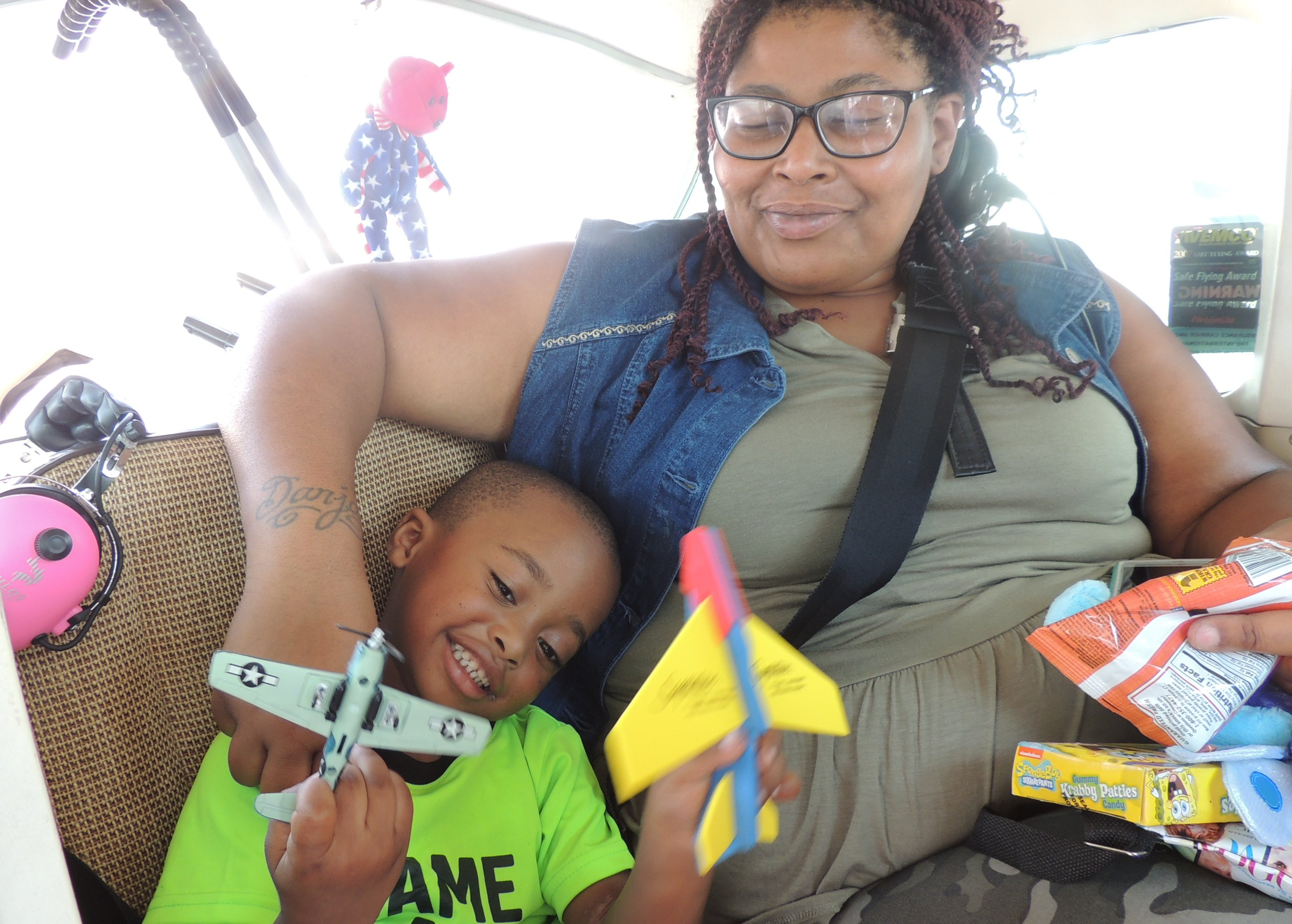 Daniel and his Mom Monchea loaded up and ready for our flight to Columbus Ohio