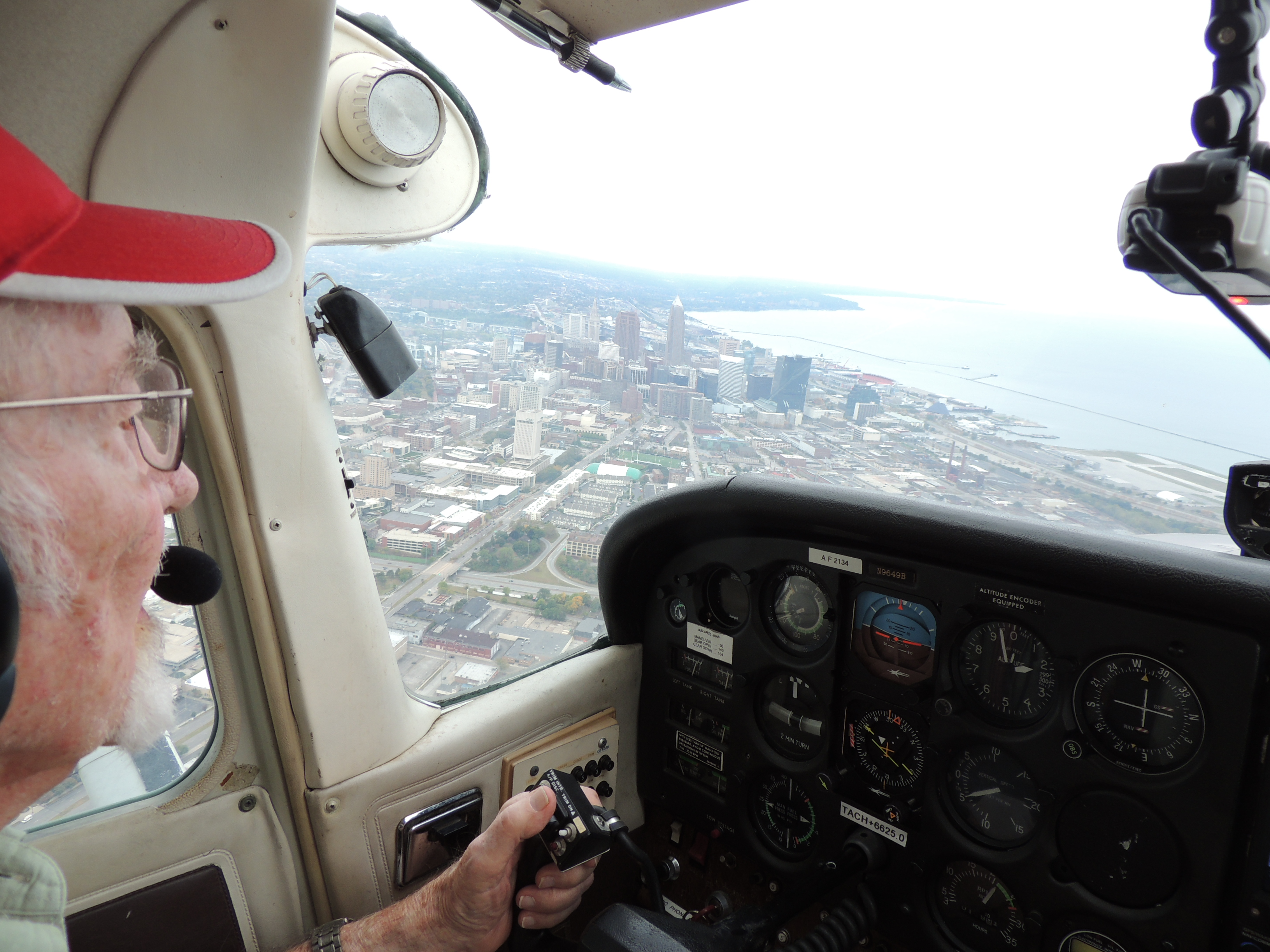 Captain John making a visual approach into Burke Lake Front (Cleveland Ohio)
