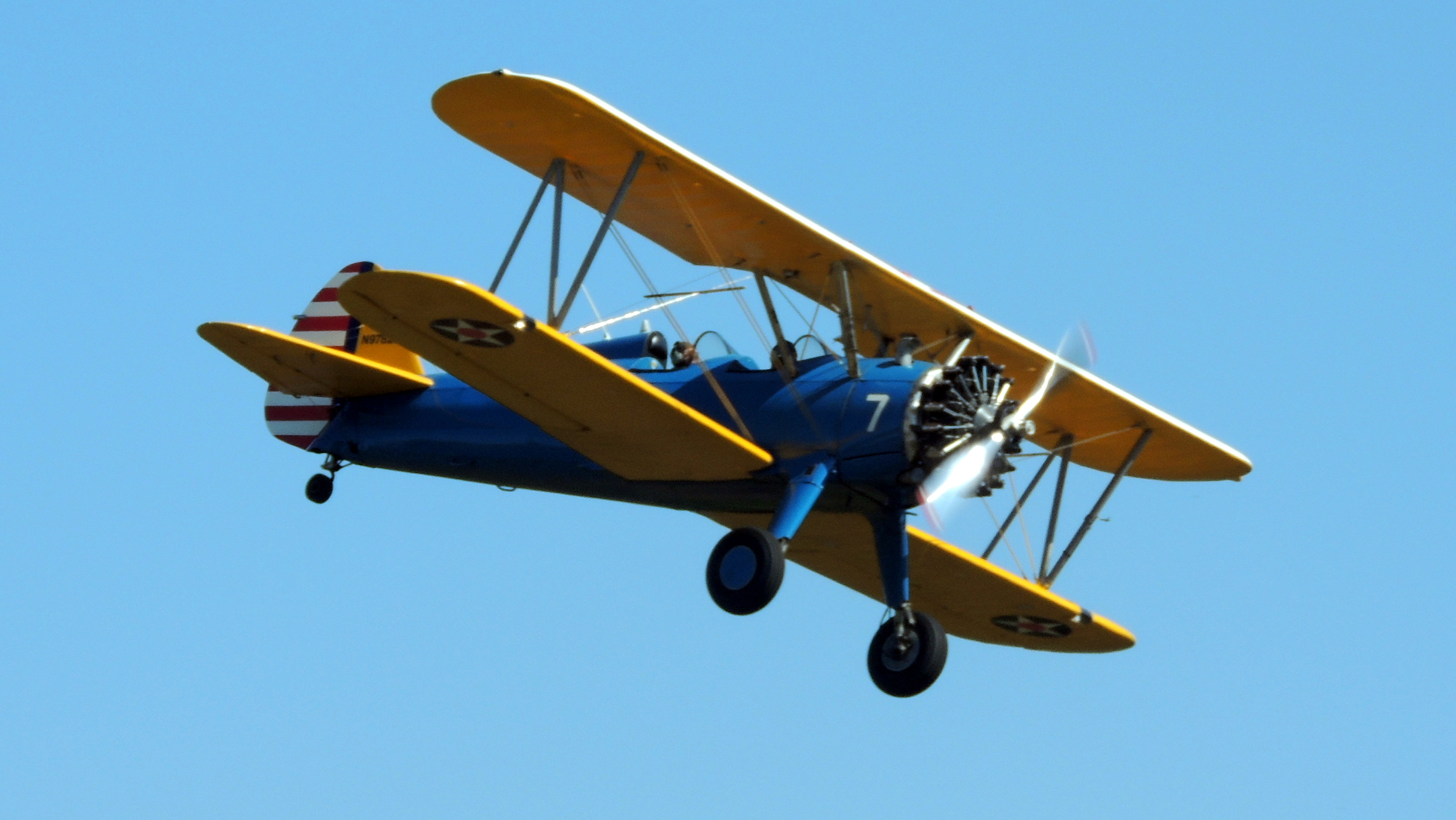 This Stearman was taking some Veterans for an amzing ride !