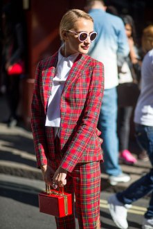 lfw-ss16-street-style-day-1-02