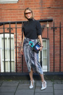 lfw-ss16-street-style-day-1-37