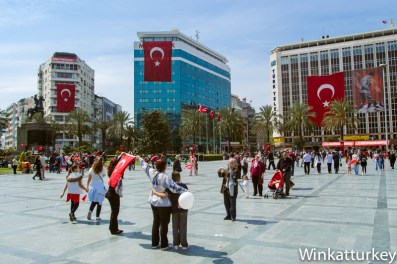 Plaza de la República de Izmir el 23 de abril