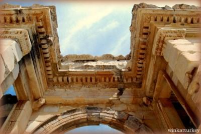 Puerta Sur del Agora de la ciudad