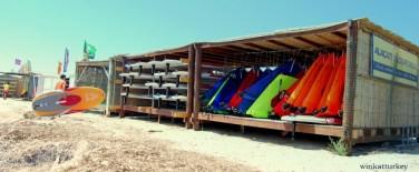 Alquiler tablas y velas de windsurf