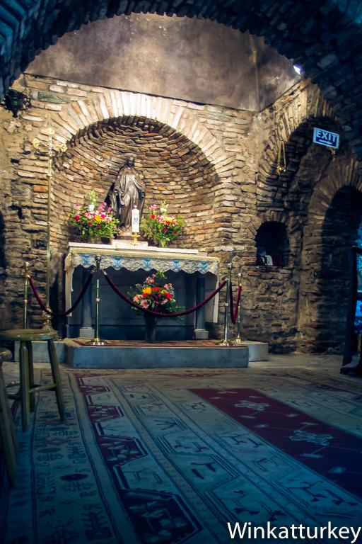 La Casa de la Virgen Mara en feso  Un guio a Turqua