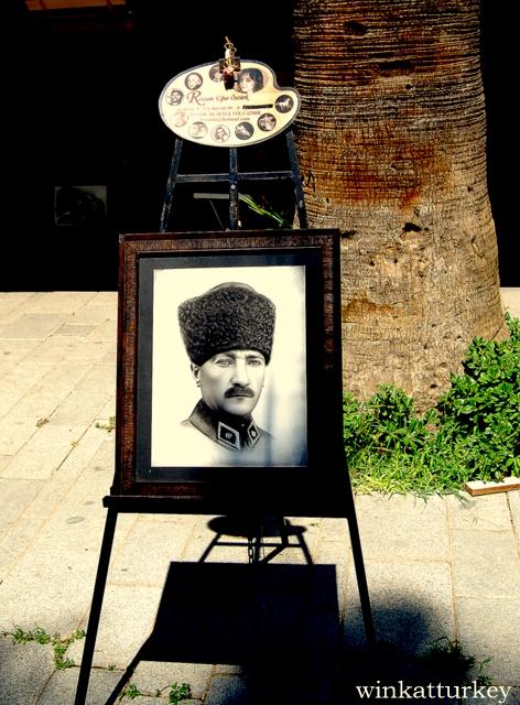 En el pasaje del amor de Izmir