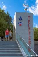 Parada del teleférico arriba de la colina