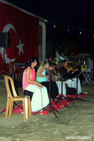 Actuación con instrumentos turcos