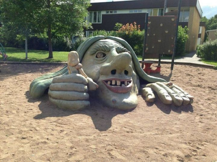 20 Creepy Playgrounds - This just gives me nightmares.