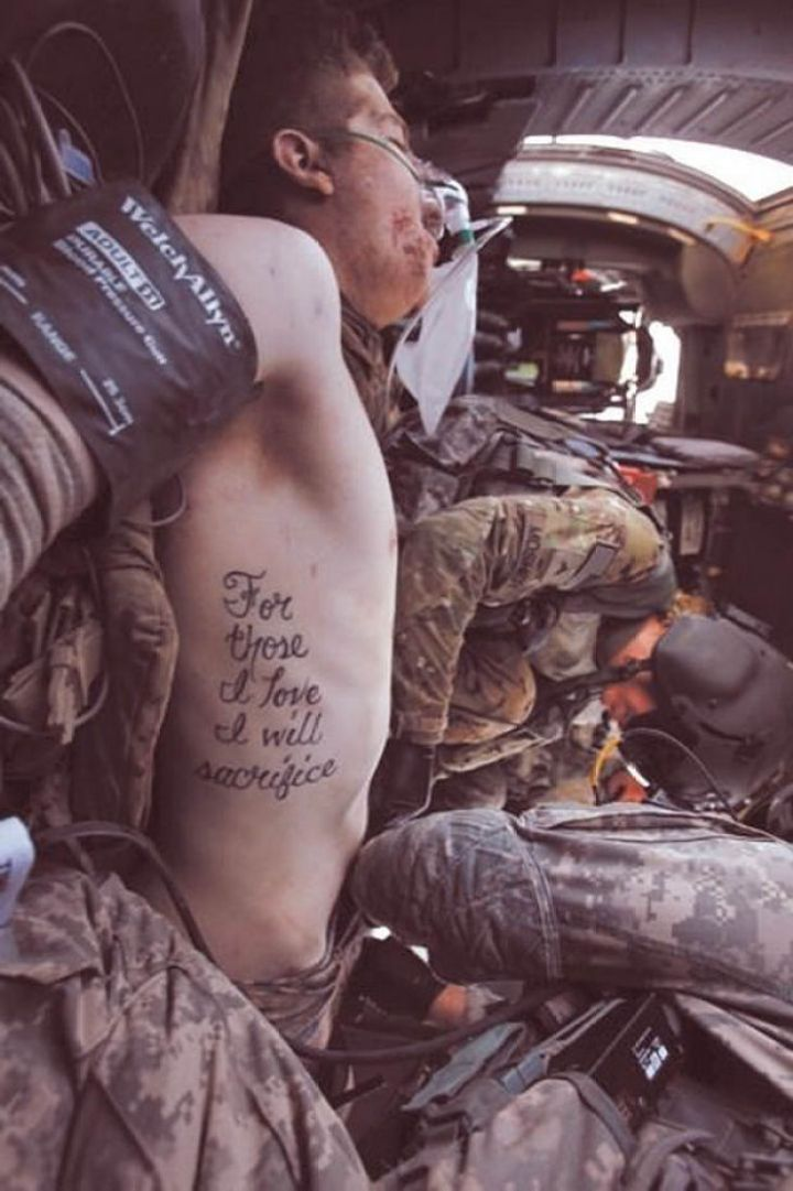 29 Powerful Pictures - 'For those I love I will sacrifice', the tattoo of wounded soldier Kyle Hockenberry becomes truth.