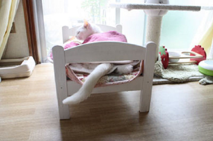 One reason why the bed is so popular for pets is because there is an opening on either side to allow their tails to stick out and relax.