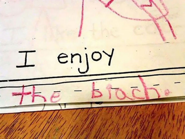 "18 Funny Spelling Mistakes - ""I enjoy the BEACH?"""