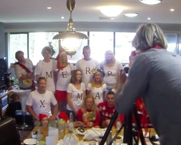 Christmas Photo Turns into the Cutest Wedding Proposal.