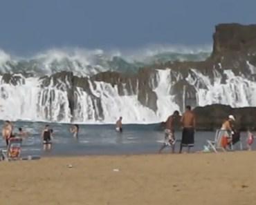 Playa Puerto Nuevo - this Beach Makes a Very Big Splash with Beachgoers.