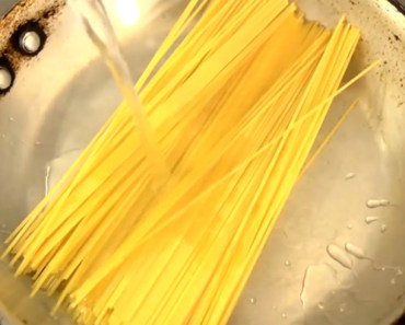 Pasta Cooking Hack Using a Frying Pan for Quick Cooking.