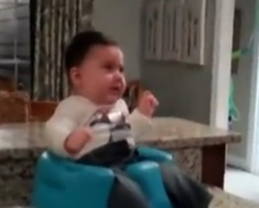 Baby Laughing When He Sees His Daddy Dancing Is Hysterical.