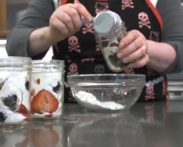 She Pours Flour and Fruit into Jars for an Easy & Tasty Dessert.