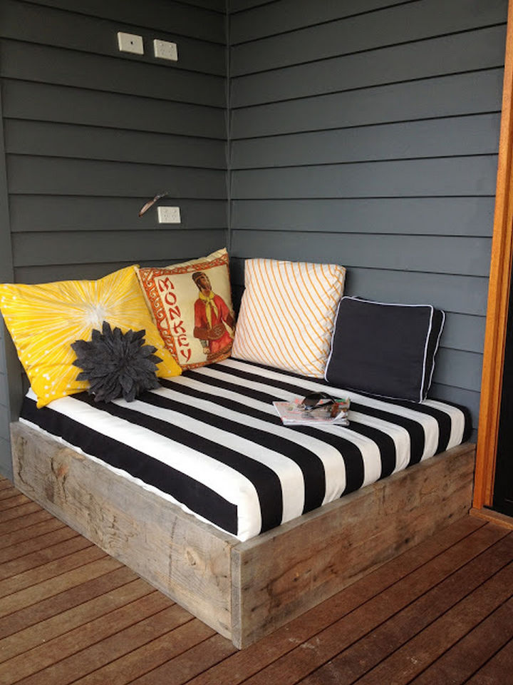 34 DIY Backyard Ideas for the Summer - Create an outdoor lounging bed.