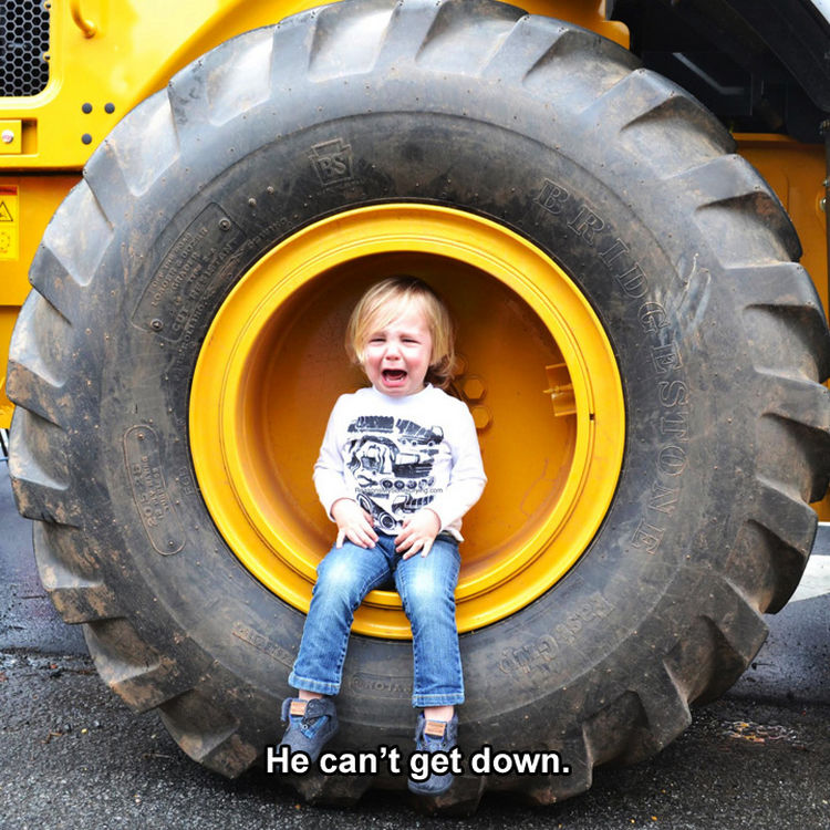 37 Photos of Kids Losing It - He can't get down.