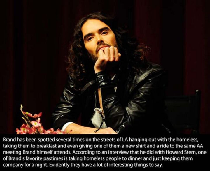 17 Celebrities Doing Random Acts of Kindness - Russell Brand.