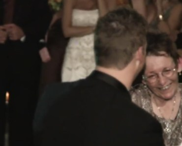 Groom's Mother Suffering From ALS Dance Together at Wedding.