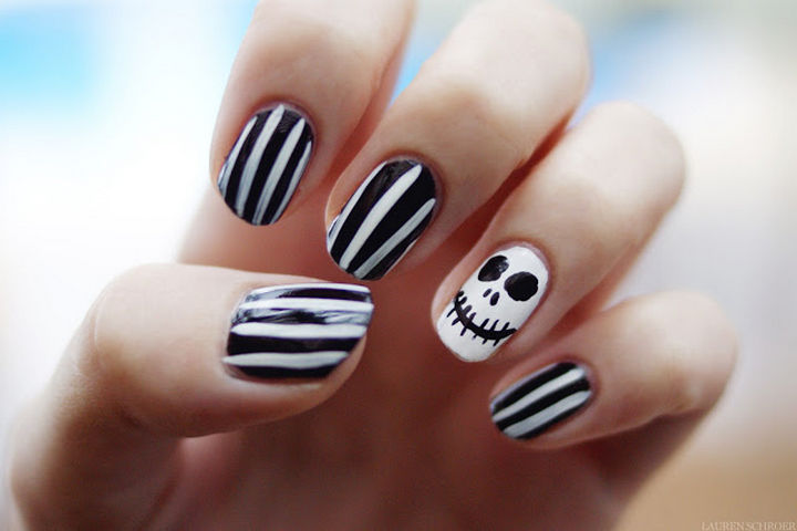 18 Disney Nails - Jack Skellington from The Nightmare Before Christmas.