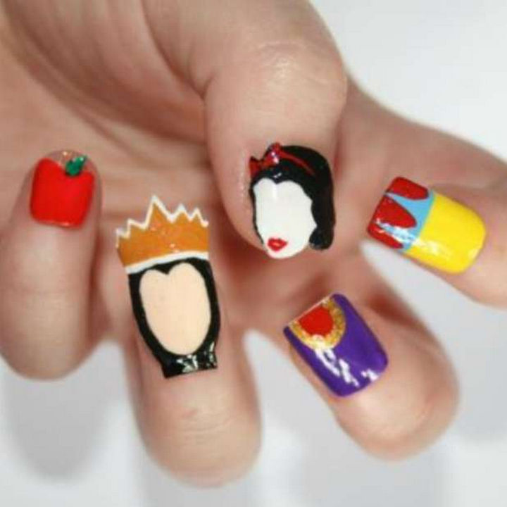 18 Disney Nails - Snow White and the Evil Queen.